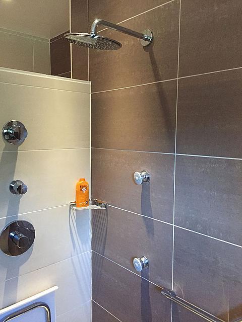 carlin sanitaire et salles de bain. Black Bedroom Furniture Sets. Home Design Ideas